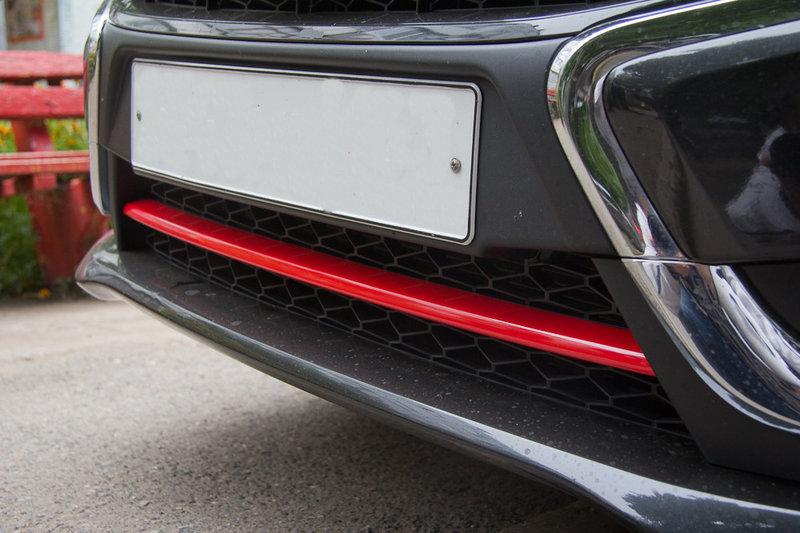 Накладка на передний бампер Веста, окрашенная